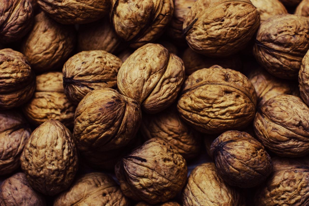 nuts-walnuts